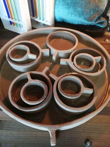 plateau coupelles et tasses en grés